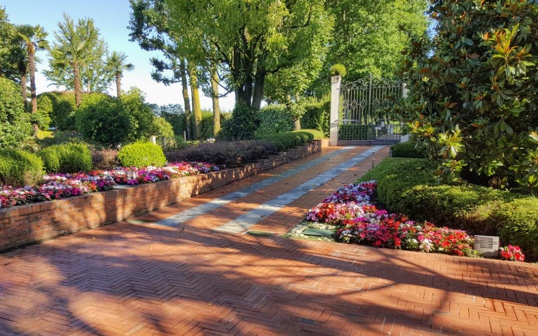 La pavimentazione dei vialetti in giardino: